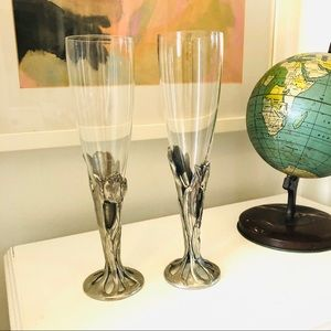 Pair of handblown vintage Seagull champagne flutes